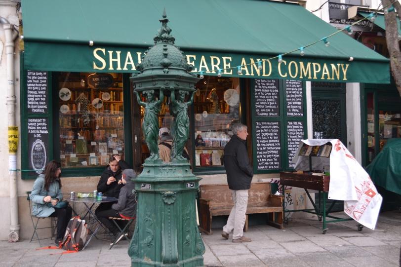 Foto Márcia Costa - livraria em Paris